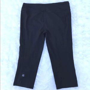 VSX Victoria Secret Sport Knoutout Capri Pants M